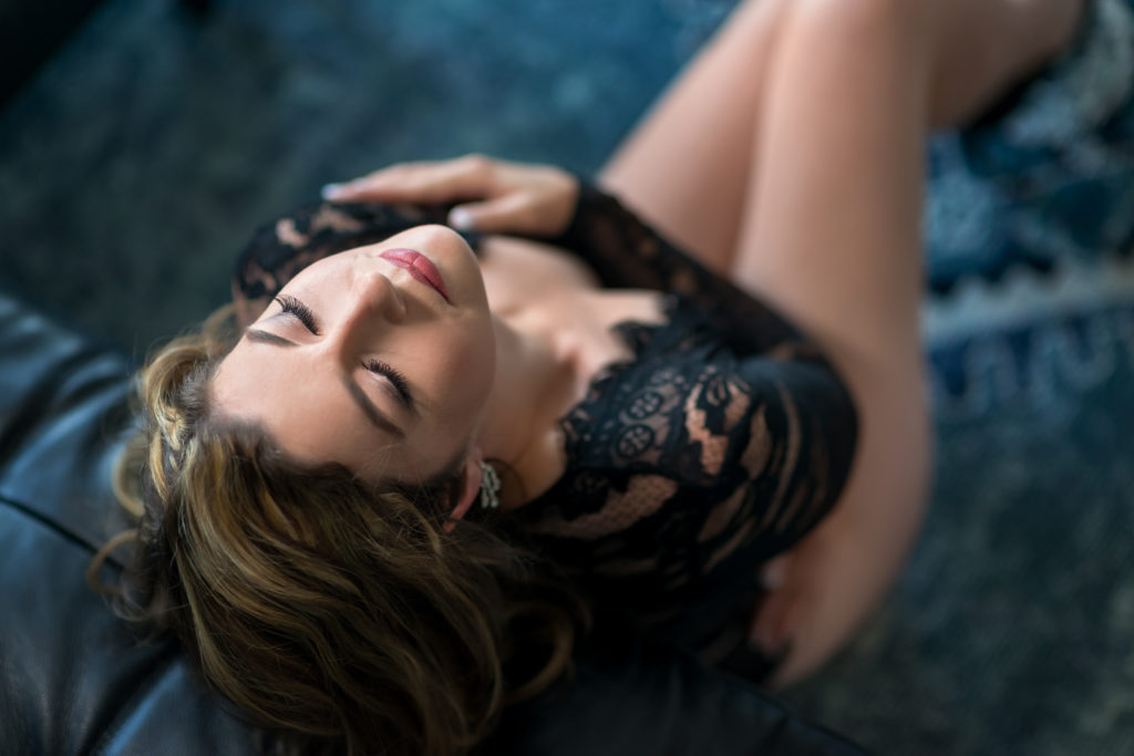 Barrie - beautiful boudoir photography